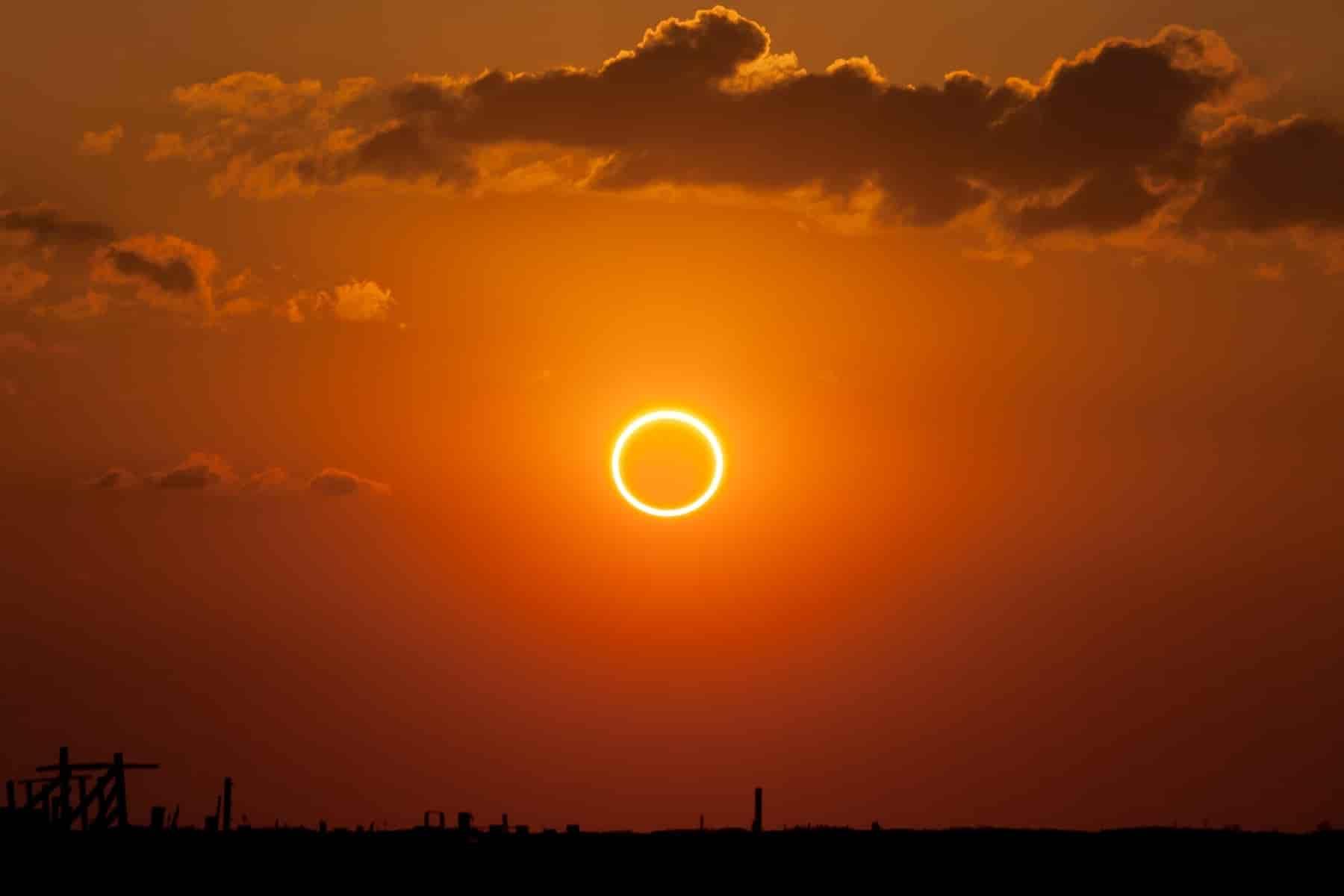 solareclipsemooner
